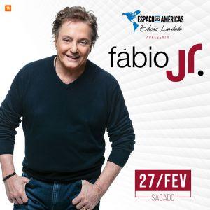 Fábio Jr. se apresenta no palco do Espaço das Américas