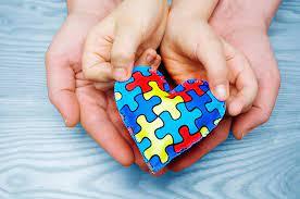 Abril Azul: Como auxiliar as crianças com autismo na pandemia